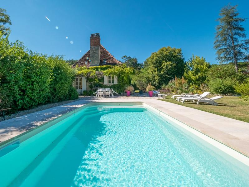 Maison à vendre à Eyliac, Dordogne - 940 000 € - photo 2