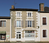 property to renovate for sale in CharrouxVienne Poitou_Charentes