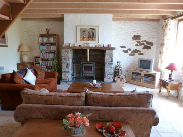 French property for sale in Glomel, Cotes d Armor - €310,300 - photo 8