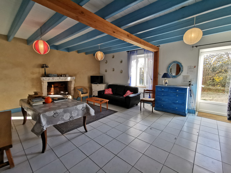 French property for sale in Fontenay-le-Comte, Vendee - €294,250 - photo 3