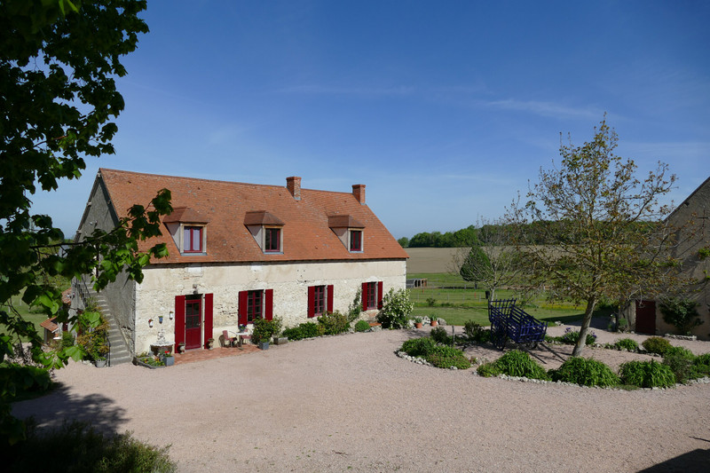 French property for sale in Montaigu-le-Blin, Allier - €795,000 - photo 6