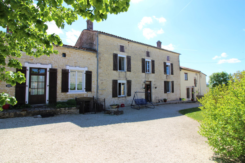 French property for sale in Charmé, Charente - €381,600 - photo 10
