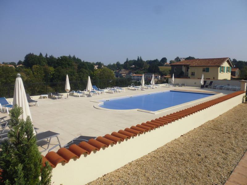 French property for sale in Vouvant, Vendée - €371,000 - photo 2
