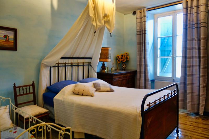 French property for sale in Saint-Bonnet-le-Chastel, Puy de Dome - €278,200 - photo 6