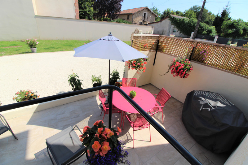 French property for sale in Rochechouart, Haute-Vienne - €249,500 - photo 5