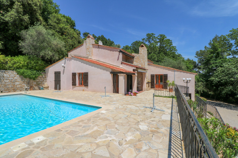 French property for sale in Le Tignet, Alpes Maritimes - €900,000 - photo 8