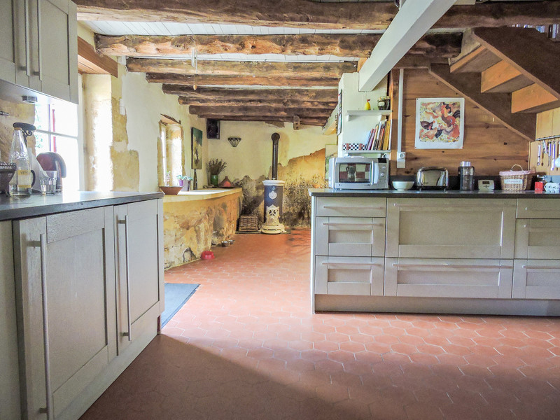 French property for sale in Les Eyzies-de-Tayac-Sireuil, Dordogne - €284,000 - photo 6