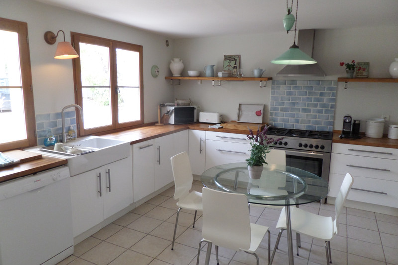 French property for sale in Saint-Ciers-du-Taillon, Charente-Maritime - €299,980 - photo 4