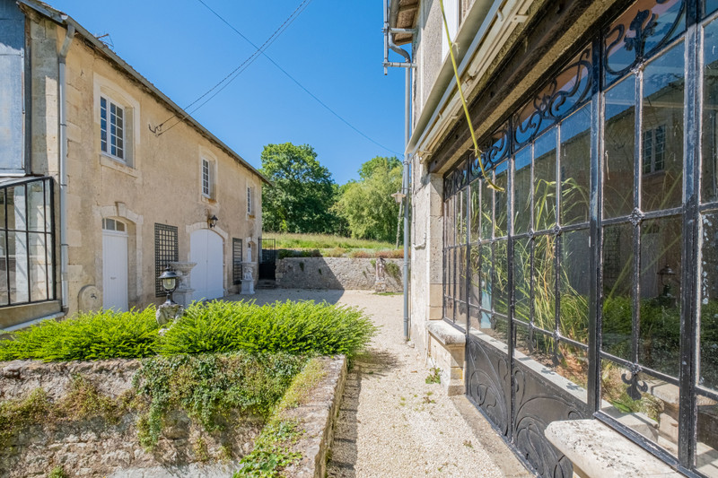 French property for sale in Germond-Rouvre, Deux-Sèvres - €901,000 - photo 2