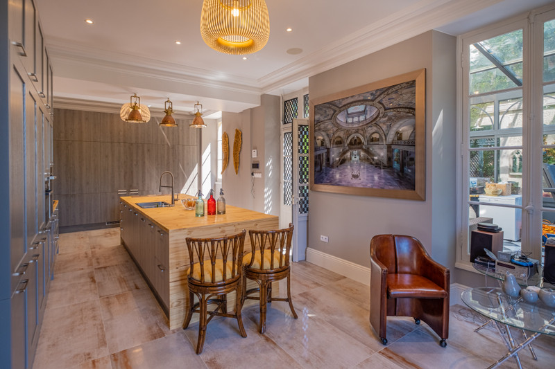 French property for sale in Niort, Deux-Sèvres - €850,500 - photo 6