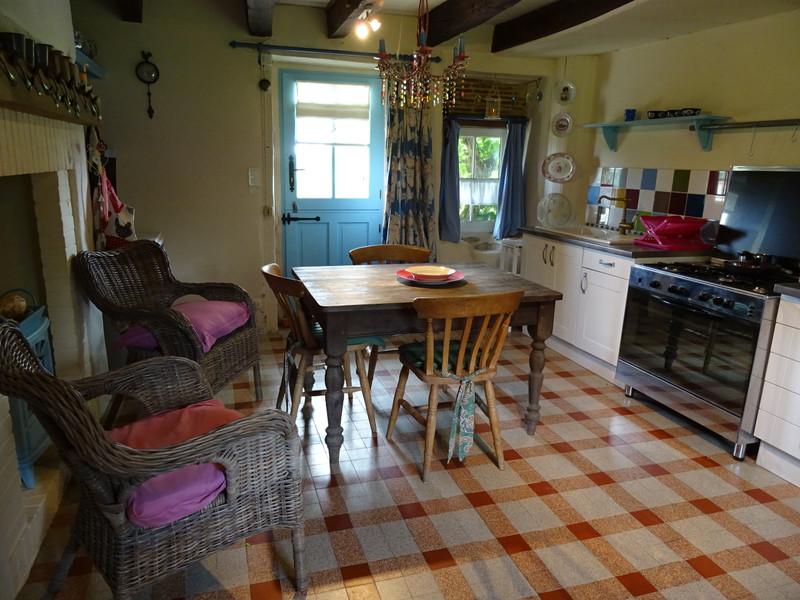 French property for sale in Saint-Jory-de-Chalais, Dordogne - €299,600 - photo 10