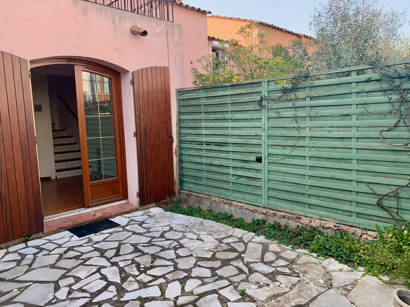 French property for sale in Cannes, Alpes Maritimes - €395,000 - photo 3
