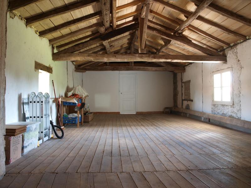 Maison à vendre à Saint-Sauvant, Vienne - 74 800 € - photo 10