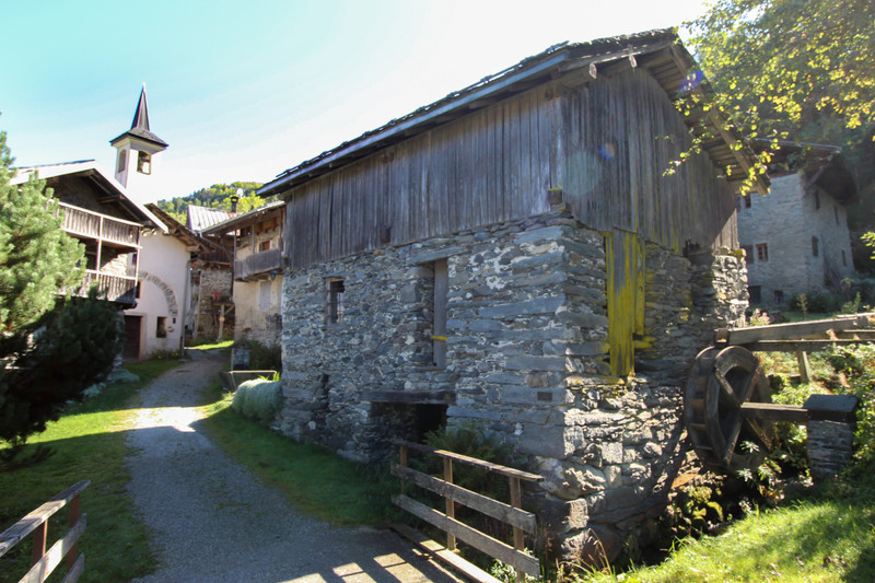 French property for sale in Courchevel, Savoie - €292,500 - photo 3