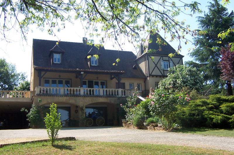 French property for sale in Belvès, Dordogne - €572,400 - photo 3