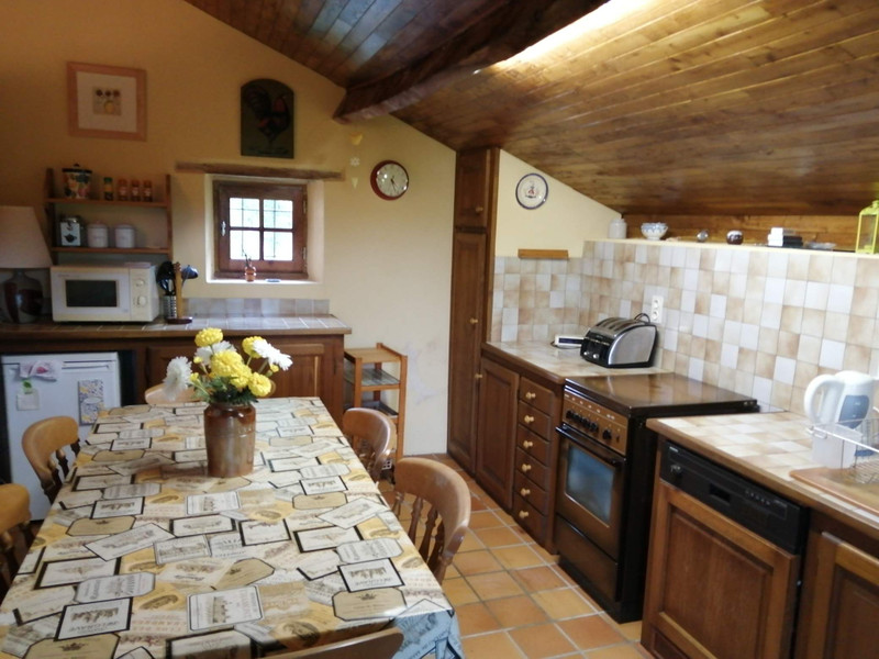 French property for sale in Mialet, Dordogne - €151,200 - photo 6