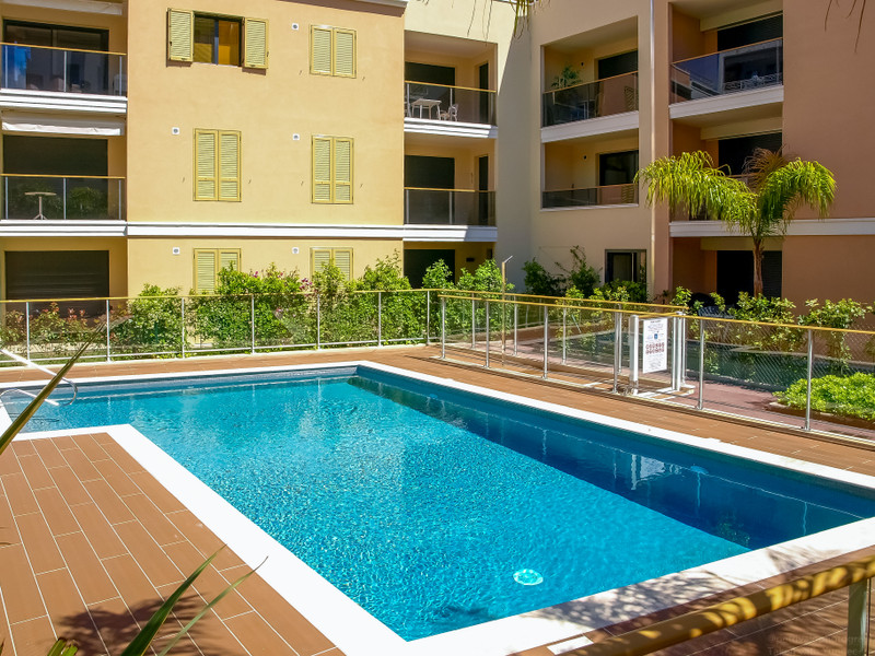 French property for sale in Cannes, Alpes Maritimes - €399,900 - photo 2