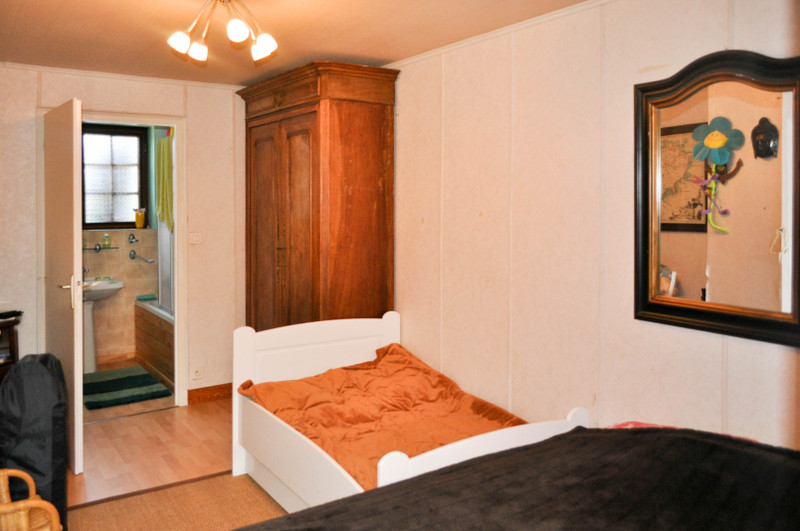 Maison à vendre à Nontron, Dordogne - 349 800 € - photo 5