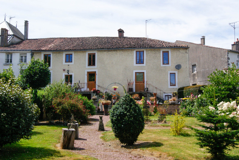French property for sale in L'Absie, Deux-Sèvres - €172,799 - photo 10