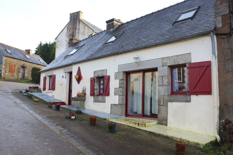 French property for sale in Locmaria-Berrien, Finistère - €84,700 - photo 2
