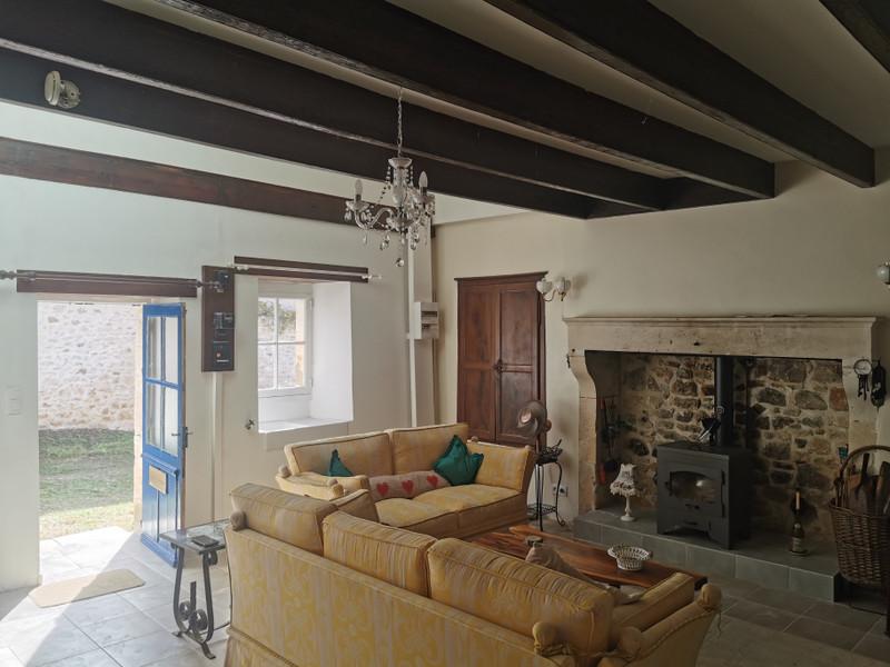 French property for sale in Javerlhac-et-la-Chapelle-Saint-Robert, Dordogne - €152,200 - photo 2