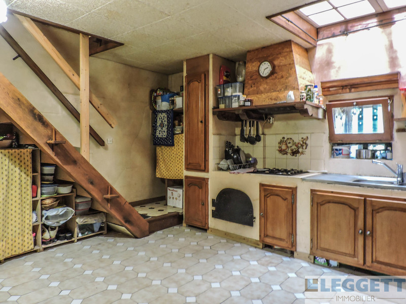 French property for sale in La Chapelle-Bâton, Vienne - €99,000 - photo 3