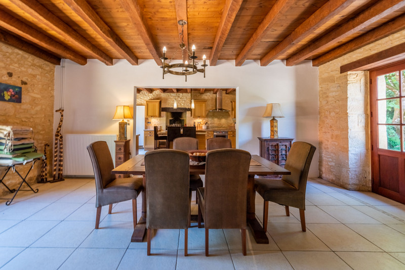 French property for sale in Proissans, Dordogne - €595,000 - photo 4