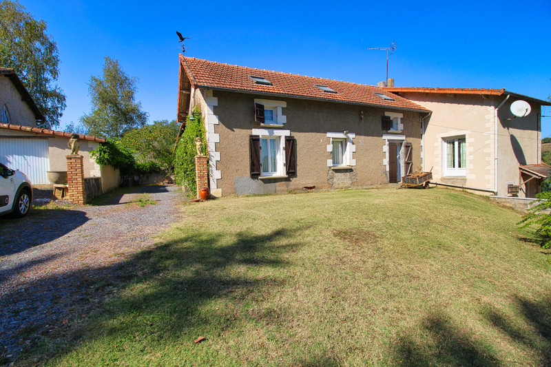 French property for sale in Mouterre-sur-Blourde, Vienne - €316,495 - photo 2