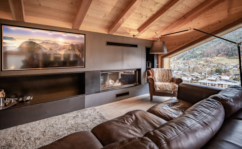 French property for sale in Morzine, Haute Savoie - €1,100,000 - photo 3