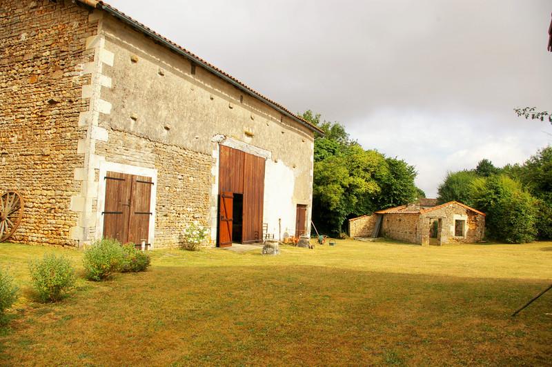 French property for sale in Clussais-la-Pommeraie, Deux Sevres - €267,500 - photo 4