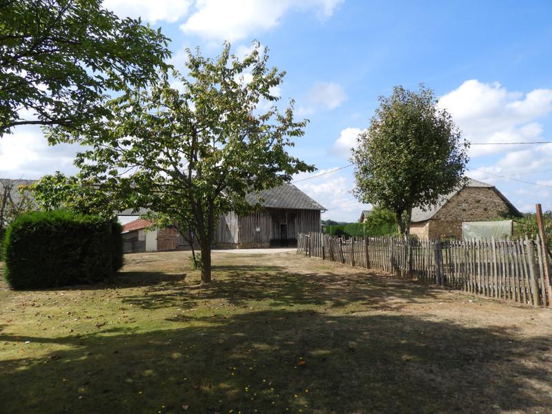 French property for sale in Salon-la-Tour, Corrèze - €142,999 - photo 2