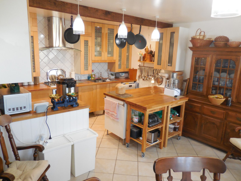 French property for sale in Saint-Vran, Côtes-d'Armor - €199,800 - photo 3
