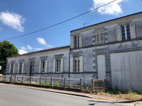 French property, houses and homes for sale in Saint-Ciers-sur-Gironde Gironde Aquitaine