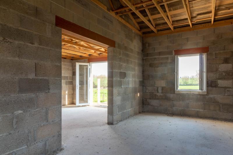 Maison à vendre à Fontaine-Chalendray, Charente-Maritime - 68 000 € - photo 5