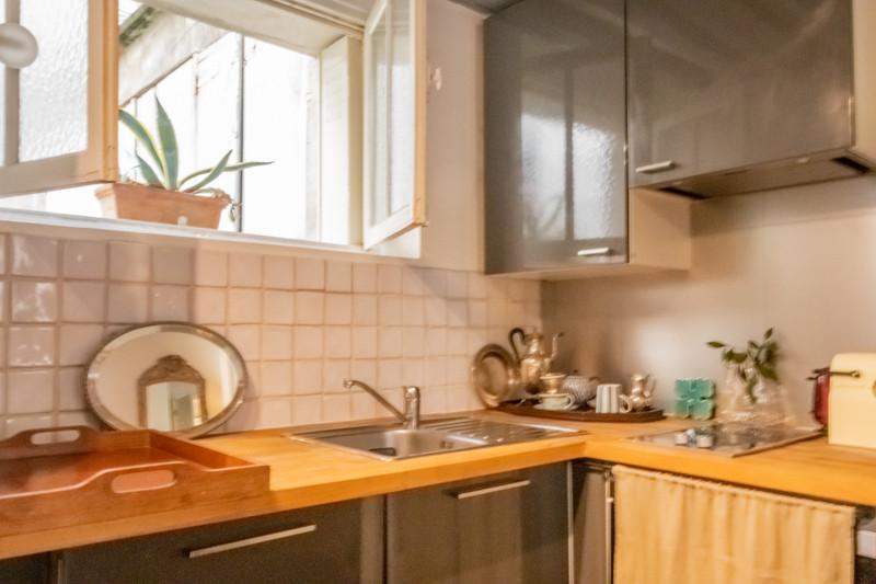 French property for sale in Paris 4e Arrondissement, Paris - €591,000 - photo 4