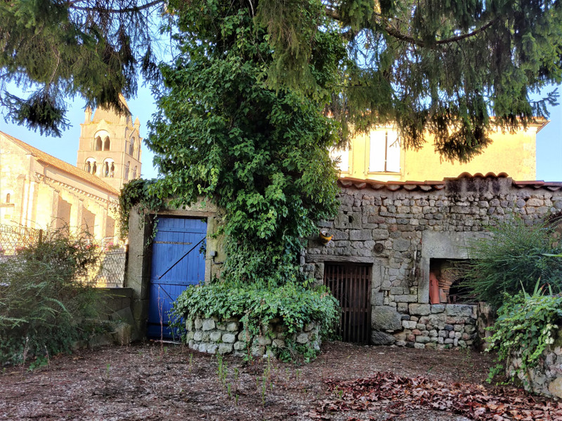 French property for sale in Pérignac, Charente - €100,000 - photo 9