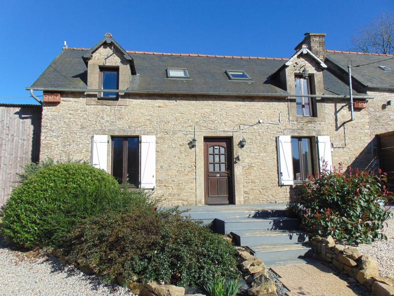 French property for sale in Saint-Nicolas-du-Pélem, Cotes d Armor - €251,985 - photo 2