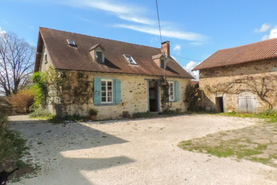 Magnificent Manor house, in a stunning countryside location, close to La Roche l'Abeille, with its own gite, barns and stables. Amazing business opportunity !