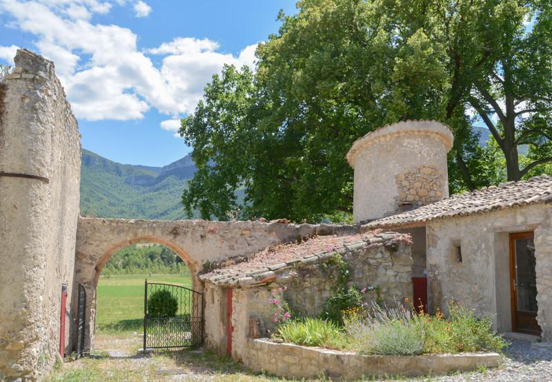 French property for sale in Noyers-sur-Jabron, Alpes-de-Hautes-Provence - €1,155,000 - photo 6