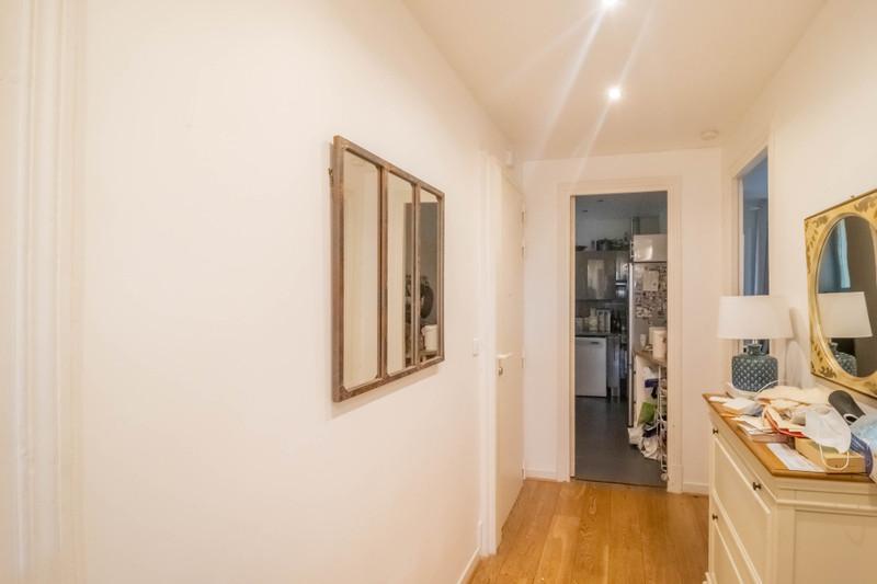 French property for sale in Paris 10e Arrondissement, Paris - €892,500 - photo 4