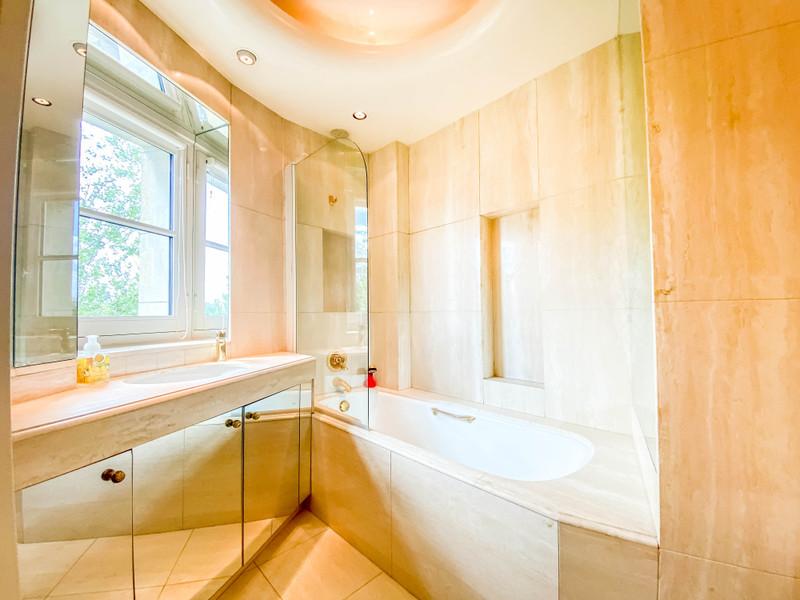 Appartement à vendre à Paris 4e Arrondissement, Paris - 1 050 000 € - photo 10