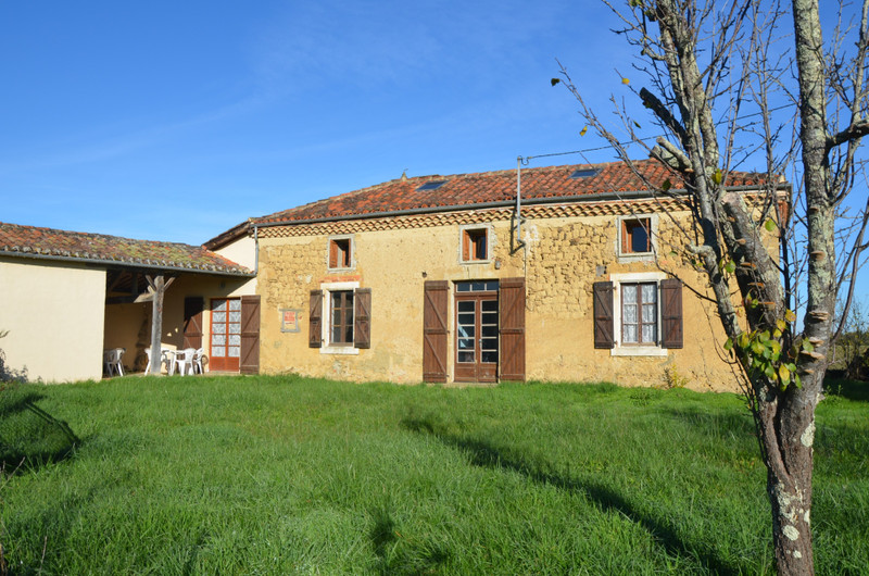 French property for sale in Clermont-Pouyguillès, Gers - €174,999 - photo 8