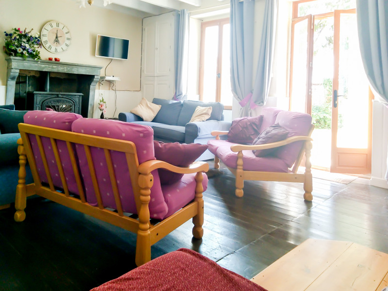 French property for sale in Vernoux-en-Gâtine, Deux Sevres - €236,470 - photo 7