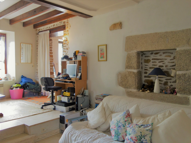 French property for sale in Champgenéteux, Mayenne - €224,700 - photo 3