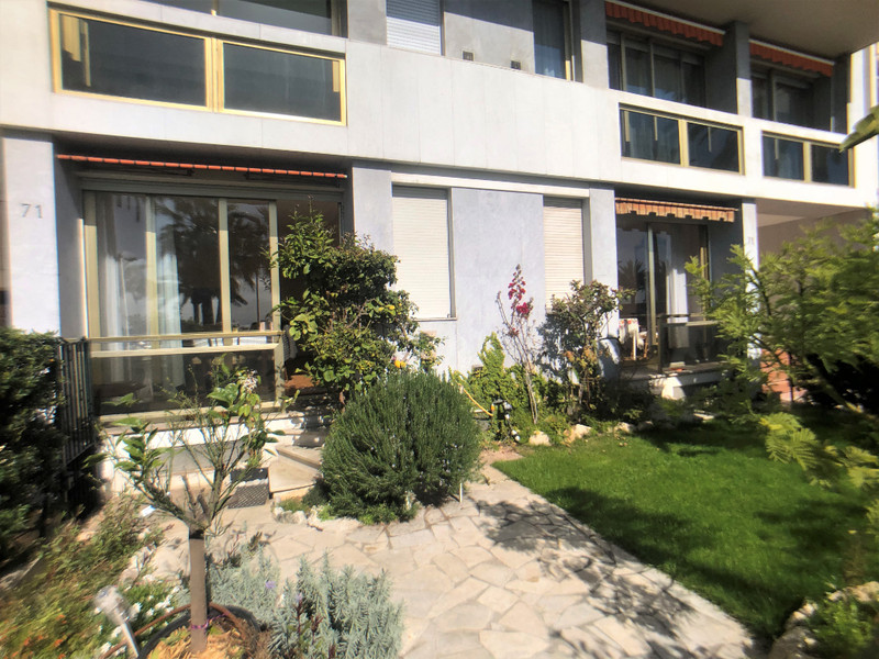 French property for sale in Nice, Alpes-Maritimes - €580,000 - photo 6