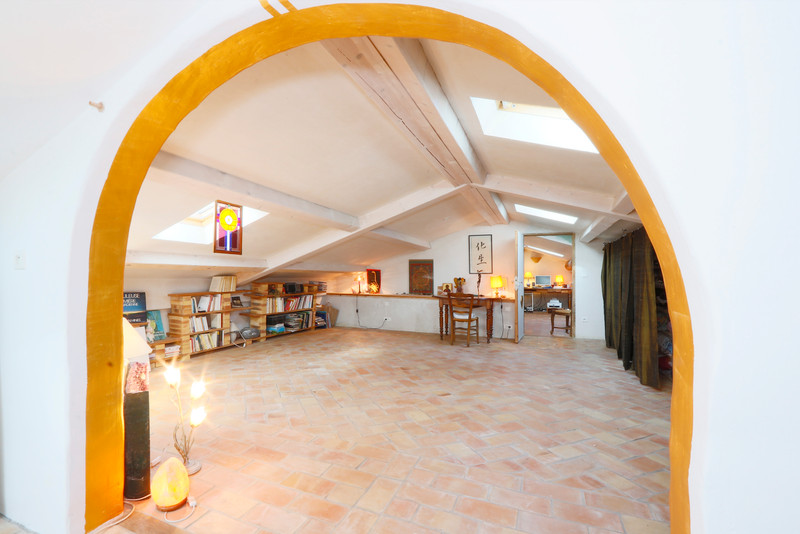 French property for sale in Rustrel, Vaucluse - €499,000 - photo 10