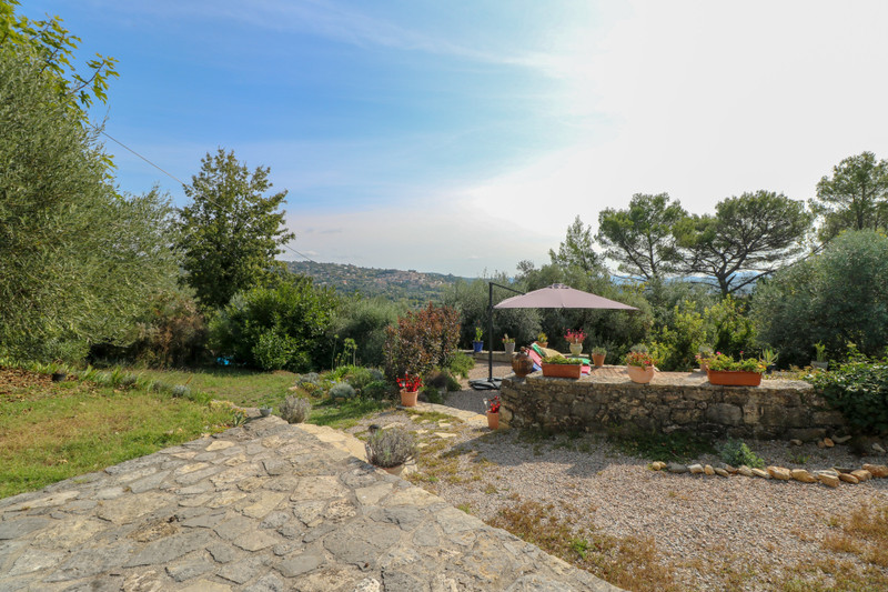 French property for sale in Fayence, Var - €460,000 - photo 2
