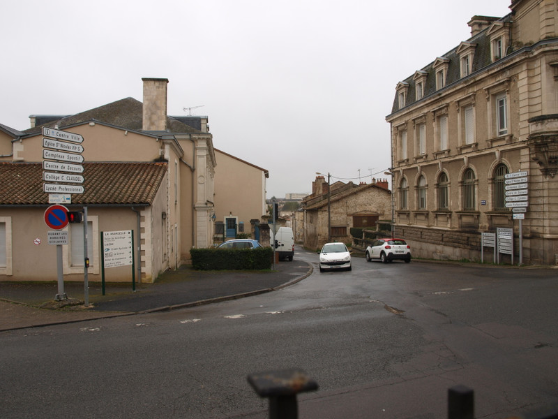 French property for sale in Civray, Vienne - €31,600 - photo 2