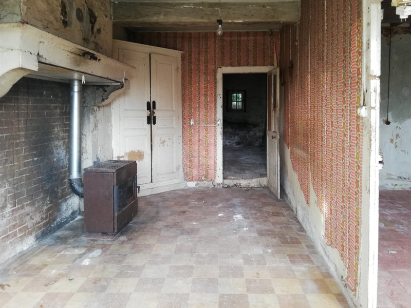 French property for sale in Château-Chinon (Ville), Nièvre - €21,600 - photo 3