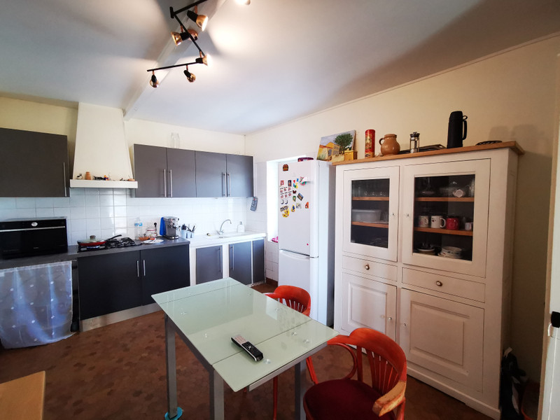 French property for sale in Burie, Charente-Maritime - €176,086 - photo 5